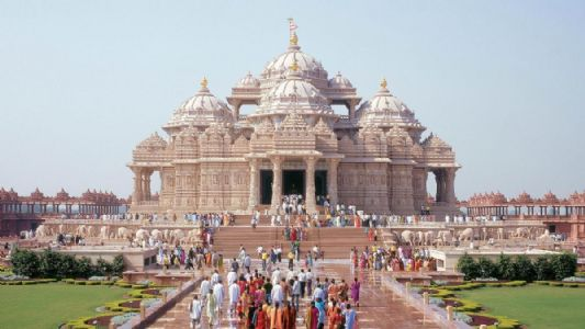 Hindu temple in Abu Dhabi holds online Satsang.