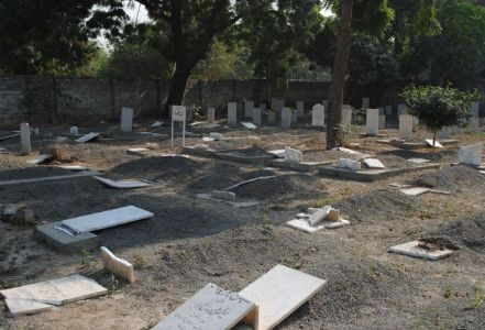 Racism in Islam: Graves of Ahmadi Muslims desecrated in Pakistan over use of Islamic symbols