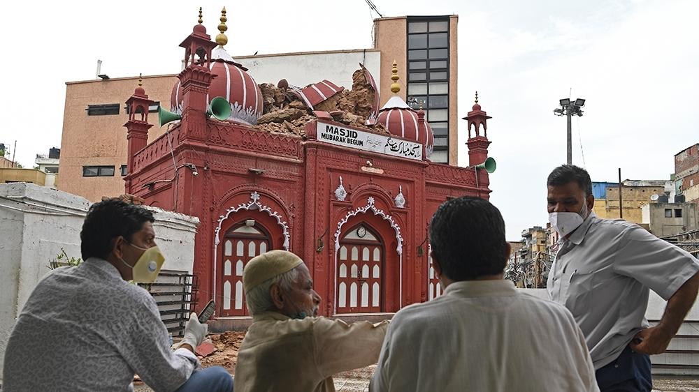 Mosque by Mubarak Begum_1