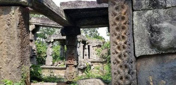 Temples including carvings of Jain deities remain neglected