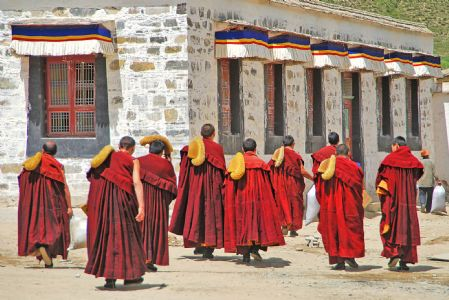 China bans religious practices of Tibetans in Lhasa