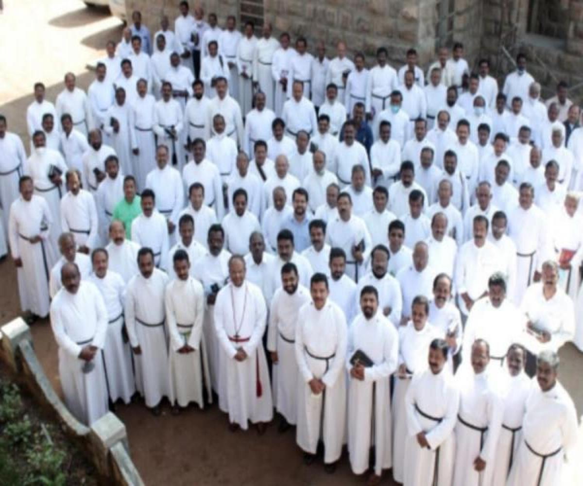 Kerala CSI priests_1