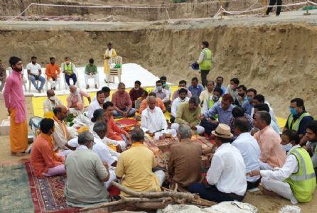 Priest installs 'Nine 'Shilas' at the foundation of Ram Mandir
