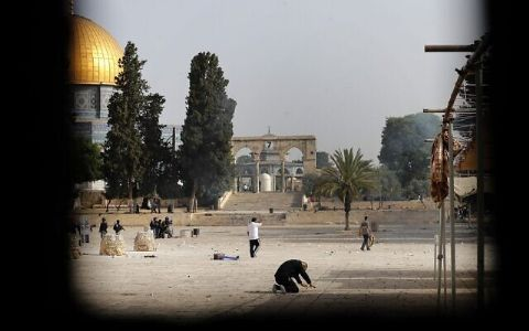 Jerusalem: Temple Mount reopens to Jews after 20 days