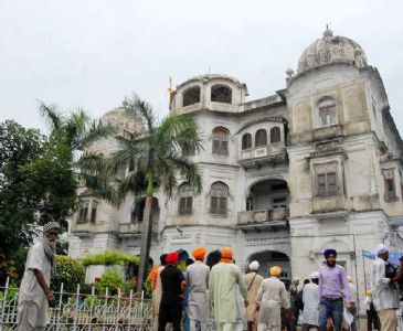 Sikh leader opposes political figures contesting SGPC elections