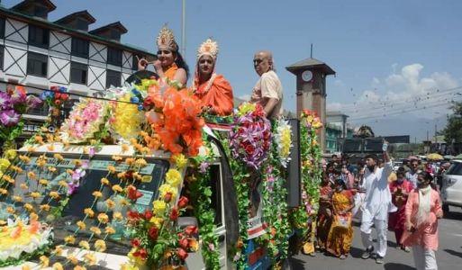 Devotees celebrate Janmashtami in Srinagar, organizes Jhanki Yatra
