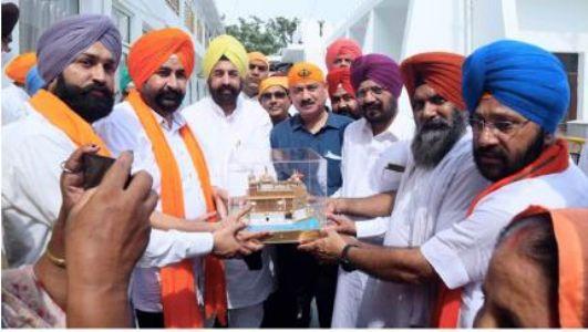 'Sikh Sangat Brotherhood' thanks PM Modi for bringing forms of Sri Guru Granth Sahib from Afghanistan