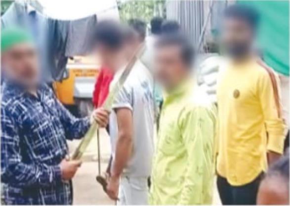 Mob attacks Hindu Bhilla