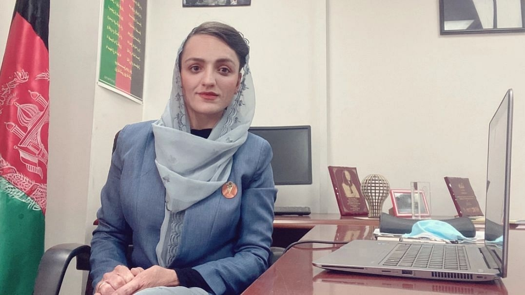 Female mayor feels insecu