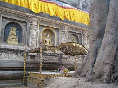 Archaeologist identifies two lost Vajrasanas in Bodh Gaya